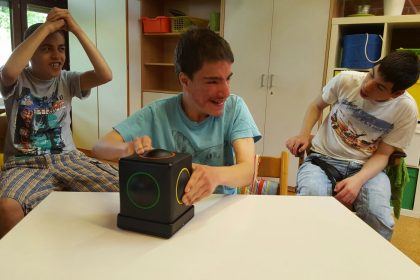 Kids using Skoog in Waiblingen